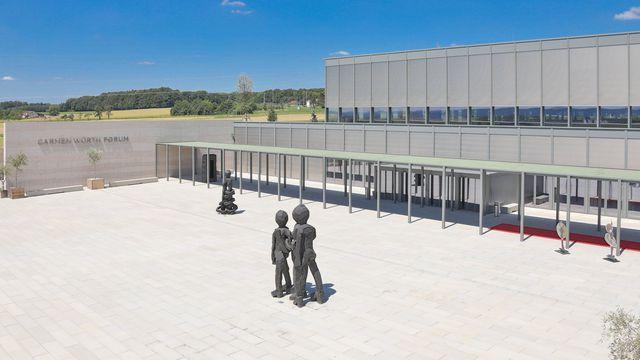 Abb. Spektakulärer Erweiterungsbau in Künzelsau