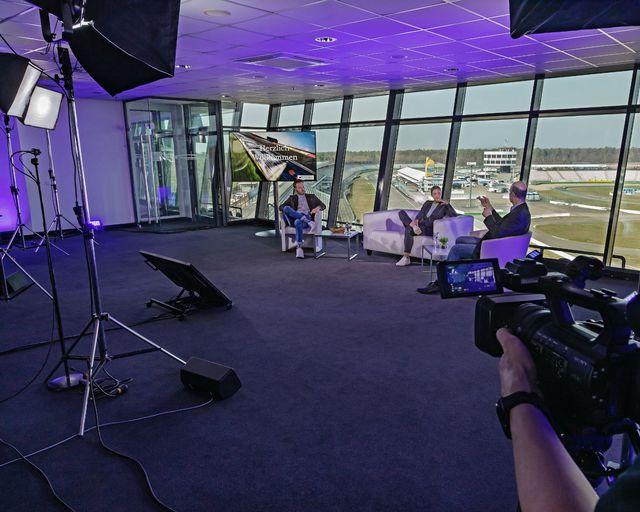 Abb. High speed im Motodrom, digital conference in den locations