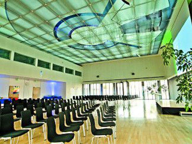 Abb. Exzellente Bedingungen für bis zu 700 Teilnehmer