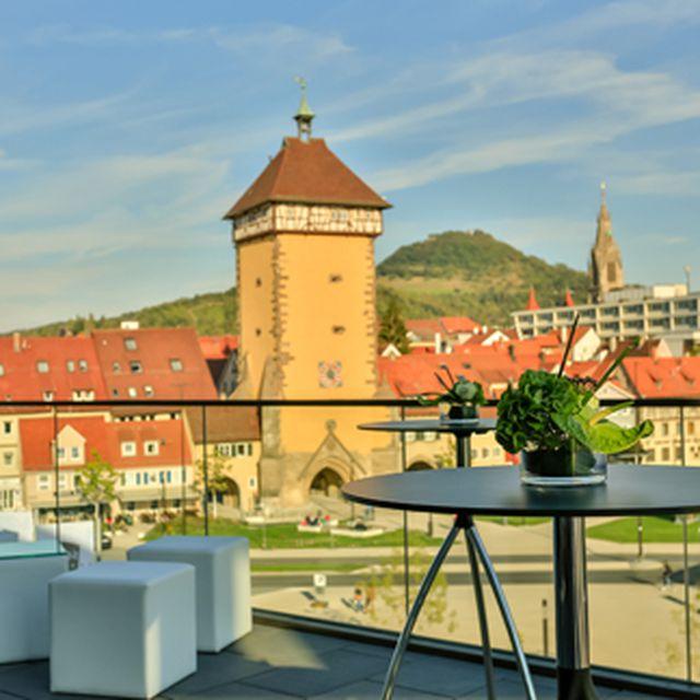 Abb. Stadthalle Reutlingen bittet auf die Terrasse