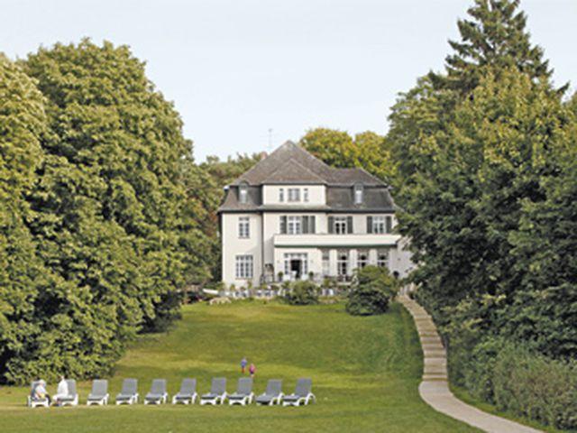 Abb. Tagen und Feiern in einer Villa am Wannsee